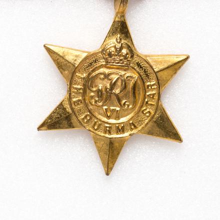 medal set,  2004.105.3