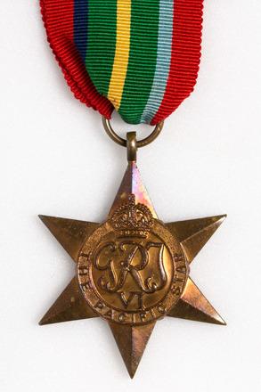 medal set, 2004.124.18