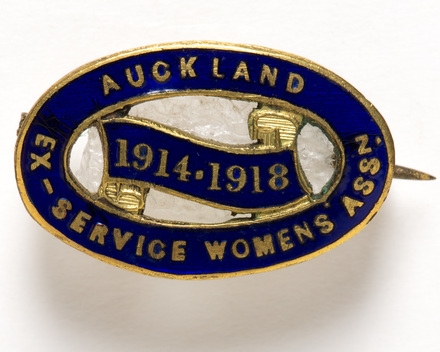 badge, membership W2624