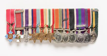 Distinguished Service Order (miniature), 2001.25.795.2
