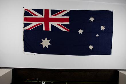 flag 1996x2.319