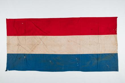 flag, F119