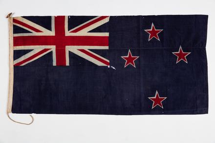 flag, 1981.155, F130