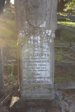 Grave site  at Waikumete Cemetery, Auckland, for Thomas John Albert Groves (4/1351). Image provided by Hugh Grenfell, March 2016. © Auckland Museum CC BY.
