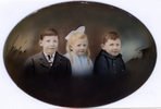 Johnson children (L-R) CG Johnson, AE Johnson and WA Johnston. Image provided by Peter Nightingale. Image has no known copyright restrictions.