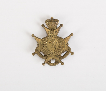 badge, regimental 2004.125.14