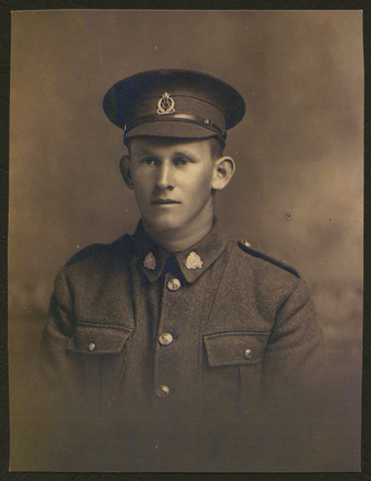 Portrait of Thomas William Stockham in uniform. Image kindly provided by Kath Cotton. Image has no known copyright restrictions.