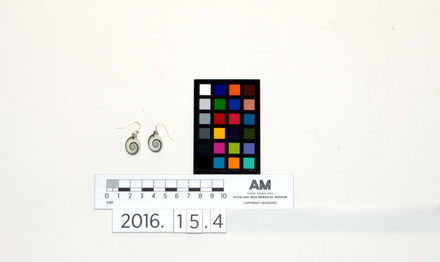 2016.15.4 , 56768.4 , earrings