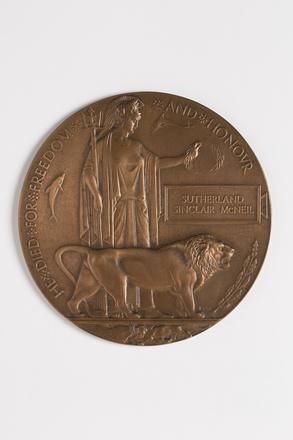 medallion, commemorative 2015.28.1