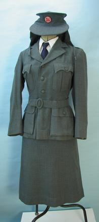 red cross uniform [2001.40.1]