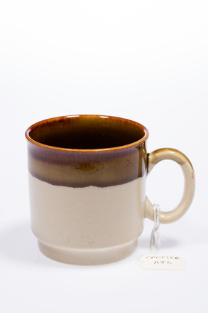 mug, 2014.19.68, #84, Photographed by Andrew Hales, digital, 27 Jun 2016, © Auckland Museum CC BY