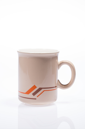 mug, 2014.19.11, #84, Photographed by Andrew Hales, digital, 28 Jun 2016, © Auckland Museum CC BY