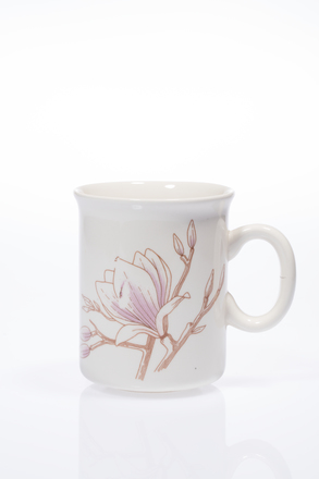 mug, 2014.19.28, #84, Photographed by Andrew Hales, digital, 29 Jun 2016, © Auckland Museum CC BY