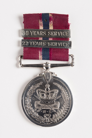 NZ Police Long Service & Good Conduct Medal, 2001.25.675