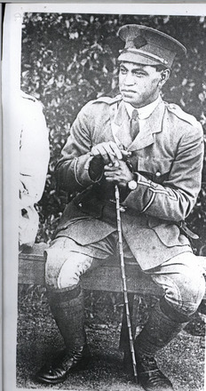 Lieutenant Joseph Rawhira Paku in uniform. Archives New Zealand Military Personnel File (FL11382819). Image has no known copyright restrictions.