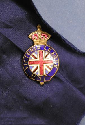 badge [2003.57.8]