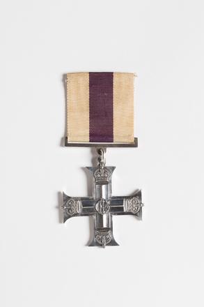 Military Cross 2001.25.279.1