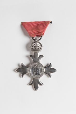 medal, order 2001.25.327.1