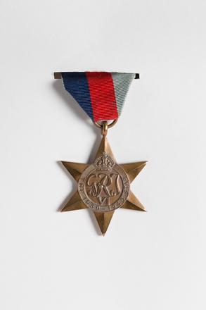 1939-45 Star 2001.25.327.2