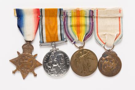 medal, award 2001.25.60