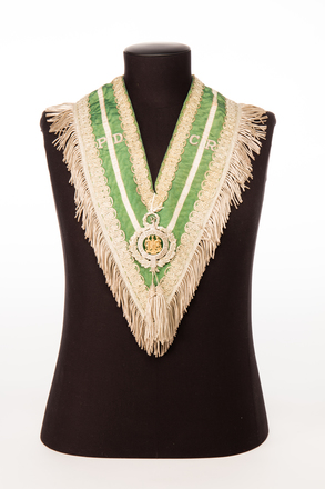 collar; 1991.314.87; Photographed by: Bong Errazo; photographer; digital; 28 Jul 2016; © Auckland Museum CC BY