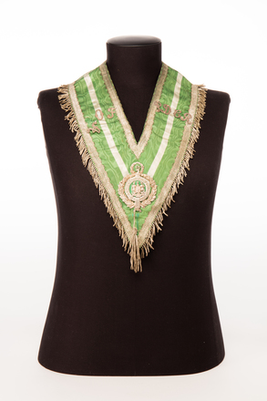 collar; 1991.314.88; Photographed by: Bong Errazo; photographer; digital; 28 Jul 2016; © Auckland Museum CC BY