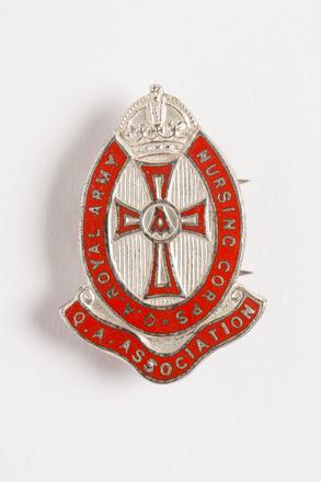badge, membership 2001.25.956