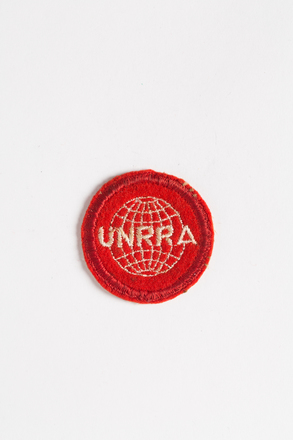 badge, 2001.25.306, Photographed by Andrew Hales, digital, 02 Aug 2016, © Auckland Museum CC BY
