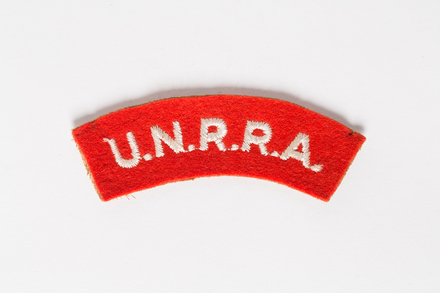 badge, 2001.25.307, Photographed by Andrew Hales, digital, 02 Aug 2016, © Auckland Museum CC BY