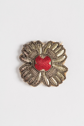 badge, rank (pair), 2001.25.70, Photographed by Andrew Hales, digital, 05 Aug 2016, © Auckland Museum CC BY