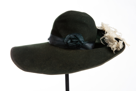 hat, 1991.314.3.1, Photographed by Jennifer Carol, digital, 17 Aug 2016, © Auckland Museum CC BY