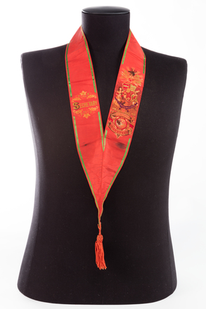 collar, ribbon, 1991.314.74.7, Photographed by Jennifer Carol, digital, 19 Aug 2016, © Auckland Museum CC BY