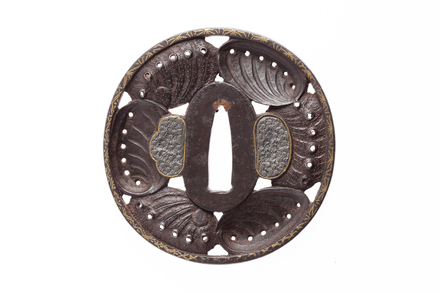 tsuba, M937, Photographed by Andrew Hales, digital, 06 Sep 2016, © Auckland Museum CC BY