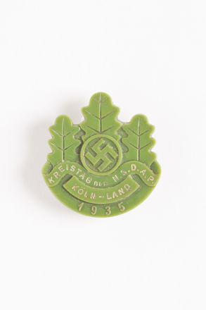badge, 1996.71.167, Photographed by Dani Lucas , digital, 22 Sep 2016, © Auckland Museum CC BY