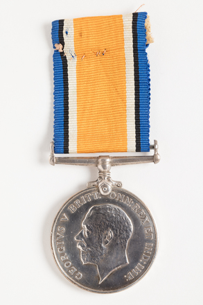 medal, campaign, 1936.16, N0950, W0835.2, N1149.2, Photographed by Dani Lucas , digital, 19 Oct 2016, © Auckland Museum CC BY