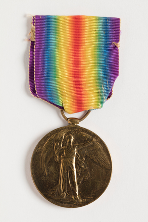 medal, campaign, 1936.16, N0951, W0835.3, N1149.3, Photographed by Dani Lucas , digital, 19 Oct 2016, © Auckland Museum CC BY