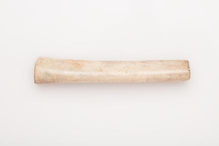poro, 1933.379, 19617.22, Photographed by: Rachel Alford-Evans, photographer, digital, 09 Nov 2016, © Auckland Museum CC BY