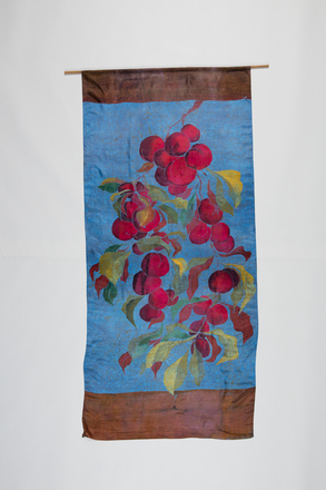silk hanging, 1996X1.234, Photographed by Andrew Hales, digital, 15 Nov 2016, © Auckland Museum CC BY