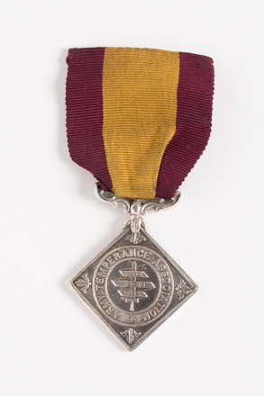medal, membership, N1055, Photographed by Dani Lucas , digital, 23 Nov 2016, © Auckland Museum CC BY