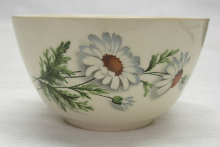 bowl, shasta daisy