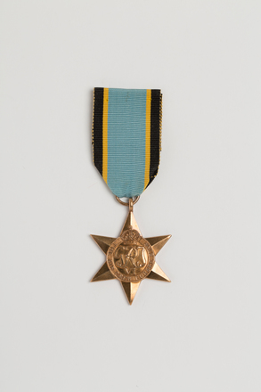 medal, campaign, 1996x2.80.6, TD118, Photographed by Ben Abdale-Weir, digital, 13 Dec 2016, © Auckland Museum CC BY
