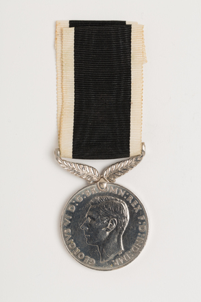 medal, campaign, 1971.55, N1480, Photographed by: Rohan Mills, photographer, digital, 21 Dec 2016, © Auckland Museum CC BY