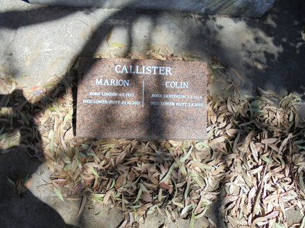 Headstone of Sub-lieutenant Colin Humphrey Callister (8342 and 632567). Image kindly provided by Paul Callister (January 2017). Image has no known copyright restrictions.