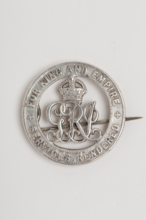 badge, service, N1570.4, Photographed by: Rohan Mills, photographer, digital, 05 Jan 2017, © Auckland Museum CC BY