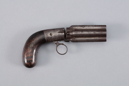 pistol, pepper box, 1959.93, W1407, Photographed by Richard NG, digital, 12 Jan 2017, © Auckland Museum CC BY