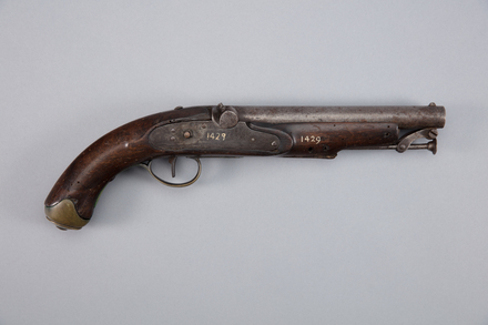 pistol, percussion, W1429, 10960, Photographed by Richard NG, digital, 13 Jan 2017, © Auckland Museum CC BY