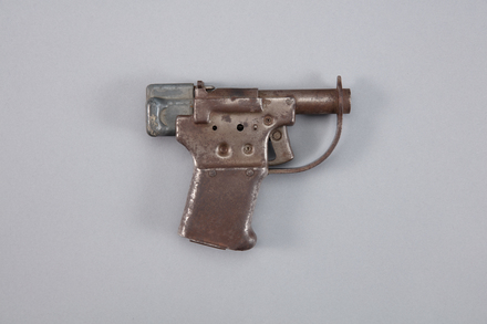 pistol, W1903, Photographed by Richard NG, digital, 17 Jan 2017, © Auckland Museum CC BY