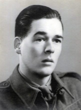 Portrait of Lance Corporal Ronald John Bowles (399436/125504). Image kindly provided by the Bowles family. Image may be subject to copyright.