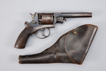 revolver and holster, W0333, 309876, Photographed by Andrew Hales, digital, 26 Jan 2017, © Auckland Museum CC BY