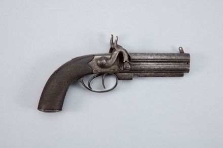 pistol, multi-barrel, W1114.2, Photographed by Andrew Hales, digital, 25 Jan 2017, © Auckland Museum CC BY